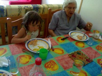 Vacaciones de Verano 2009. Con la yaya Jeni.